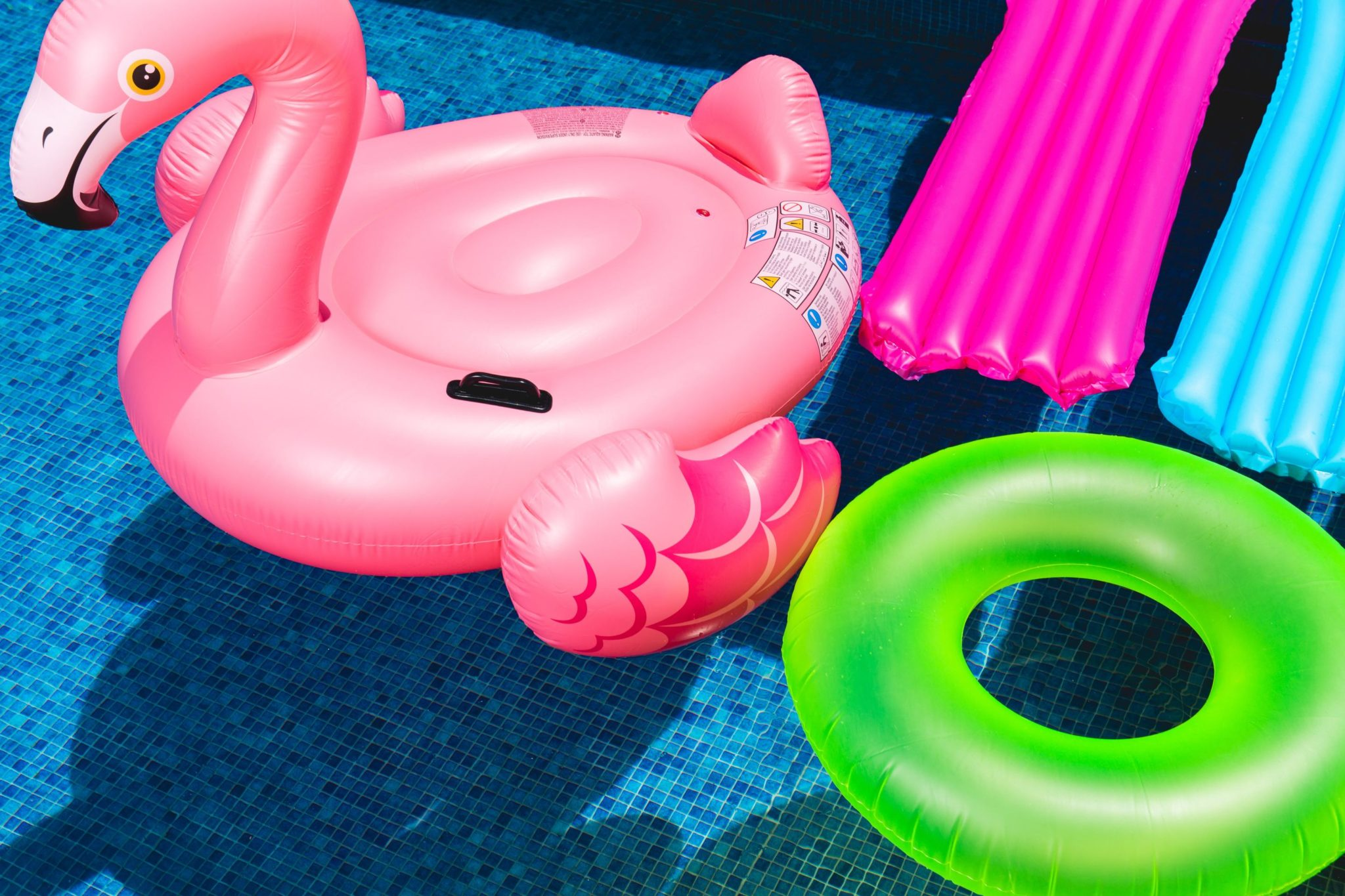 Pepsi Kicks Off Summer with Instagram AR Filters, 6-Story Inflatable Flamingo