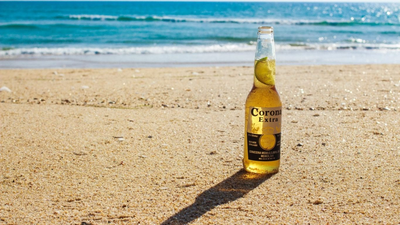 Corona Beer Introduces Interlocking Cans to Replace Six-Pack Rings